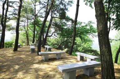 Hiking trail rest spot in Wolmyeongdong
