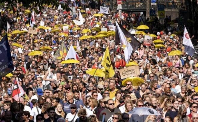 Covid protest w Amsterdamie