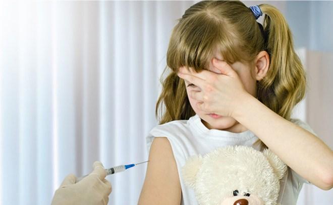 Przymus szczepień dzieci w szkołach