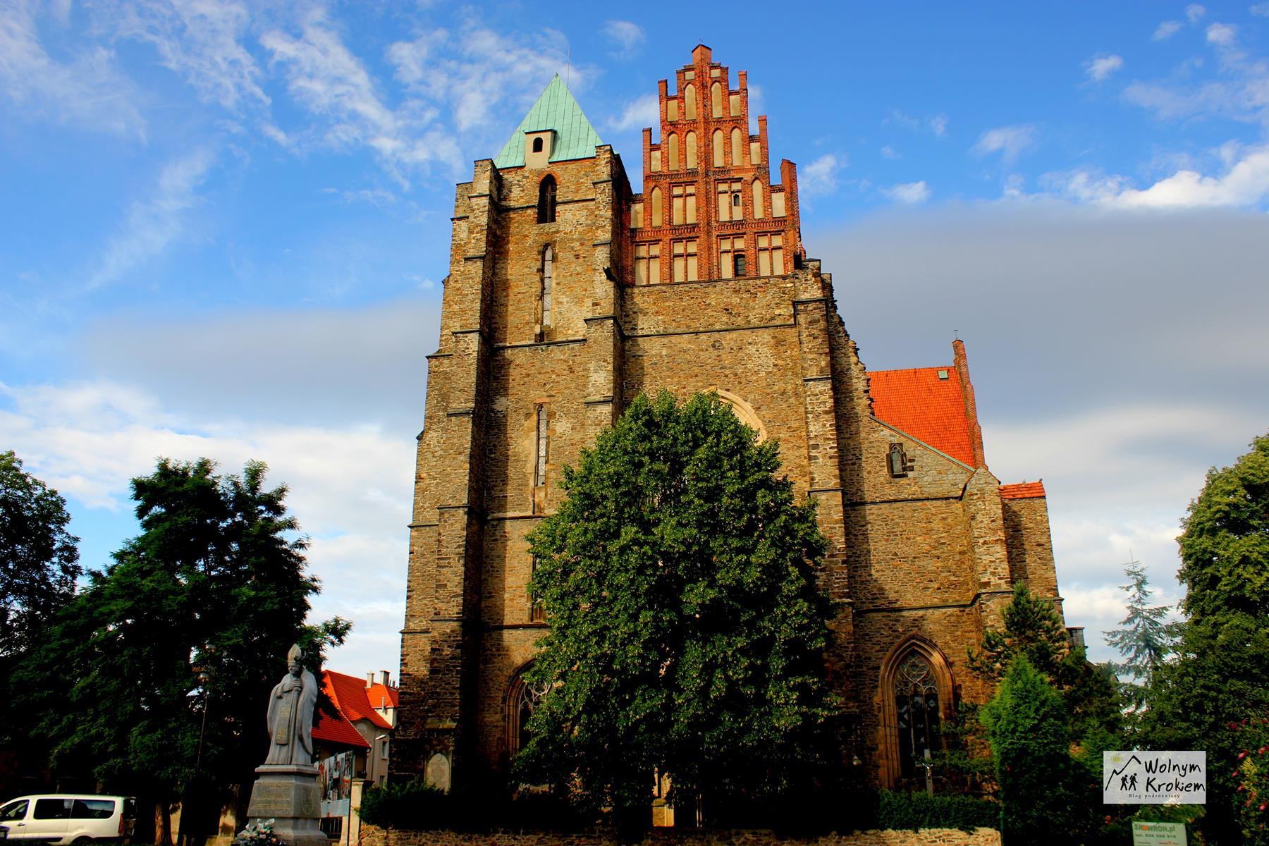 Katedra w strzegomiu najstarszy dzwon w Polsce