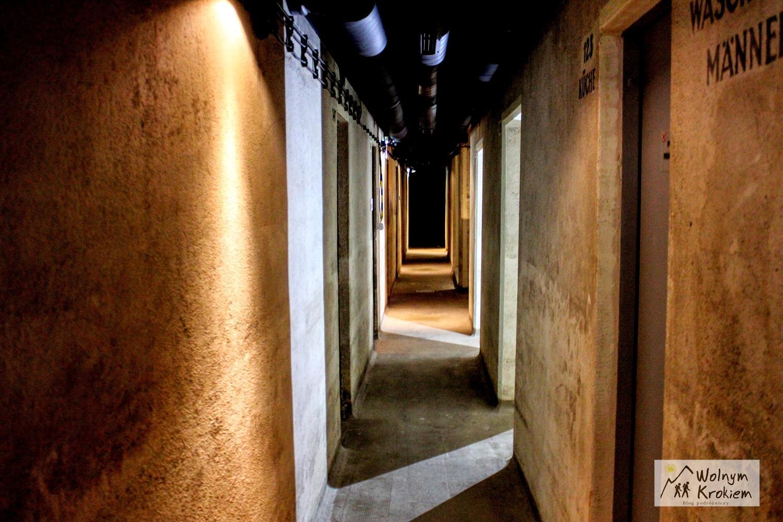 Korytarze bunkru pod placem solnym we Wroclawiu