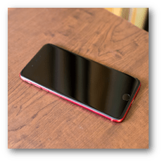 iPhone 8 Plus (PRODUCT) RED おもて