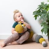 DIY Haakpakket RibbonXL Caterpillar Lola Hoooked 1