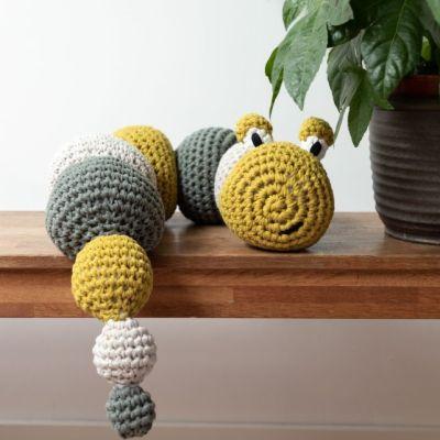 DIY Haakpakket RibbonXL Caterpillar Lola Hoooked 3