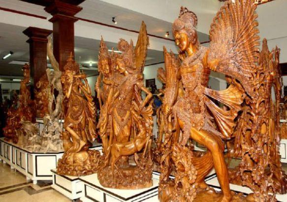 Фигурки из черного эбенового дерева, белой древесины местного дерева «пангал дуая».