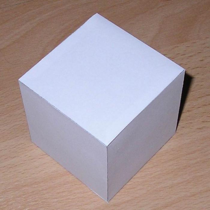 obemnyj-kvadrat-iz-bumagi.jpg