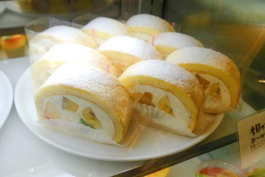 「イマノフルーツファクトリー」のロールケーキ