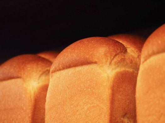 「ブーランジェリースドウ」の「世田山食パン」