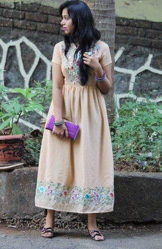How to style Indian kurti or gowns-Indian fashion blogger