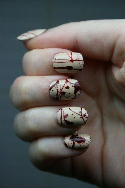 Manicure horror per Halloween! Le nail art più sanguinose e splatter del web, tante idee da copiare.