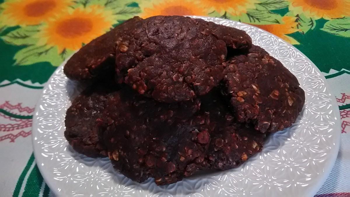 biscotti non cotti all'avena e burro d'arachide