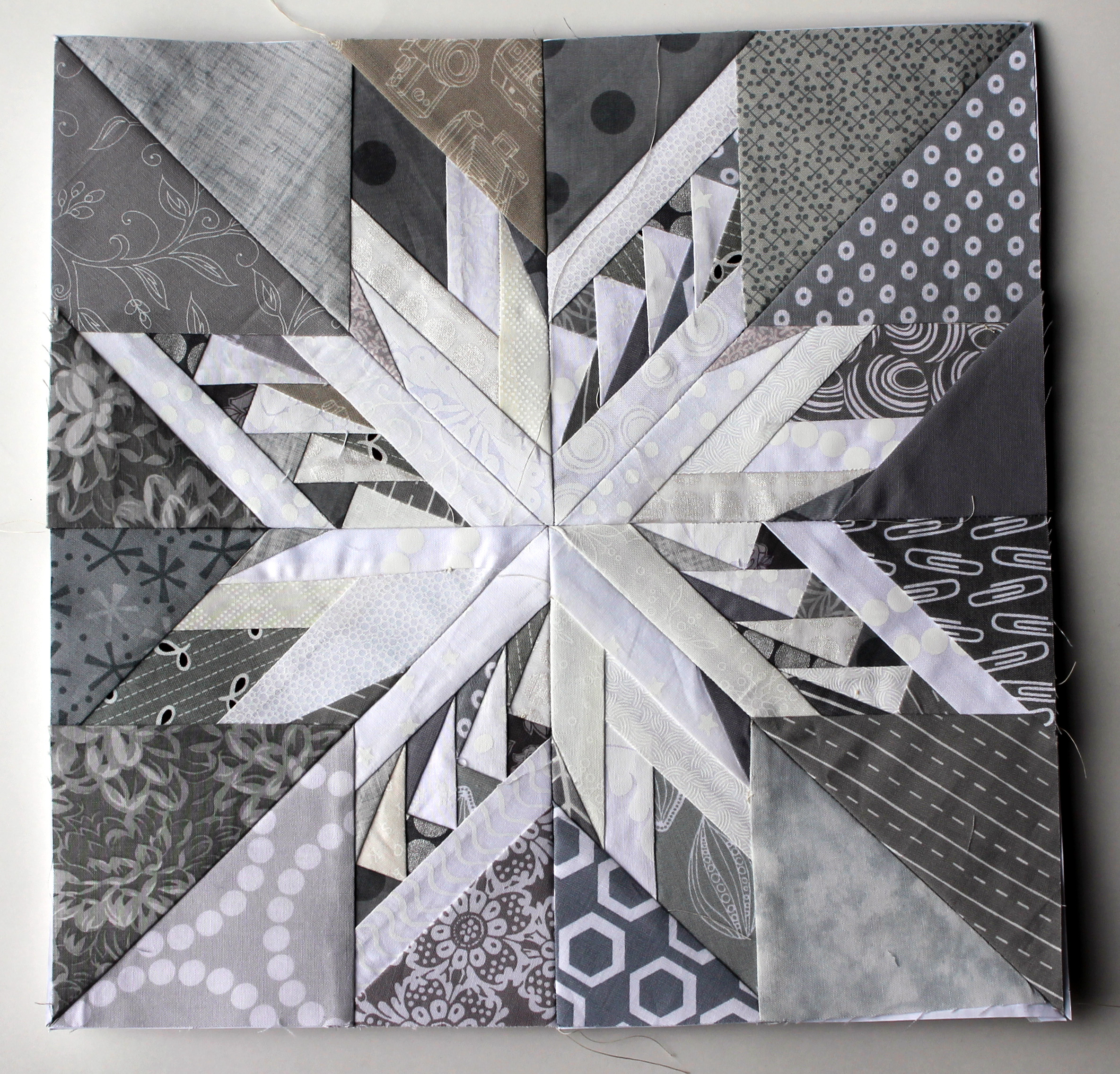 Snowflakes Paper Piecing Monday Style
