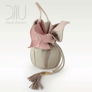 Designer Shoulder Bags For Women. Orchid Feedbag Beige by Diana Ulanova. Buy on women-bags.com