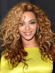 long curly hairstyles - women