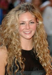 curly hairstyle routine - women