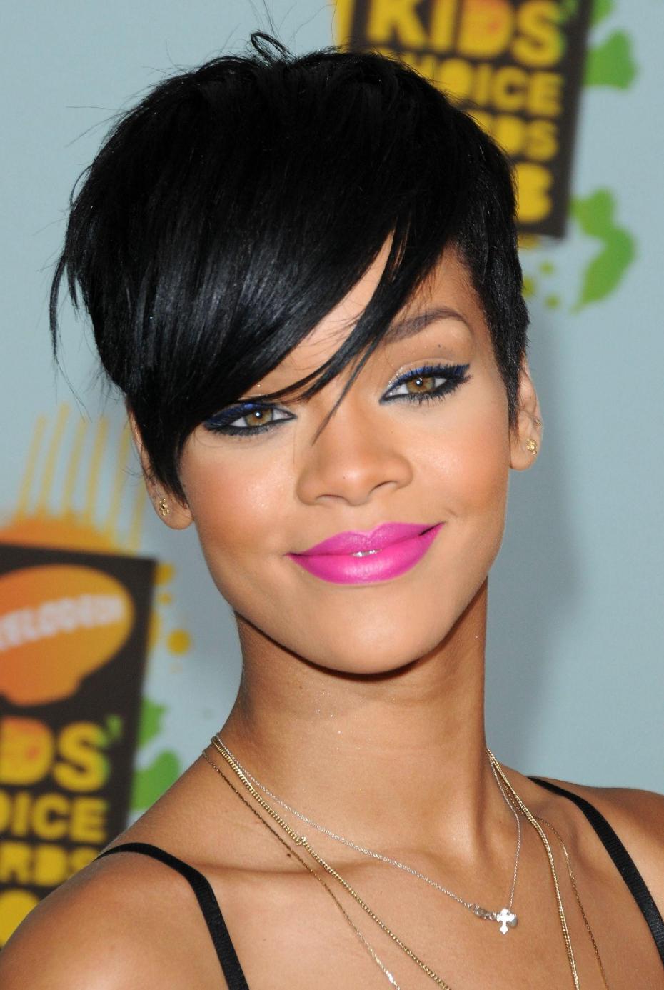 Rihanna Featuring A Pixie Haircut Women Hairstyles