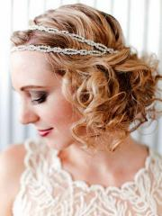 curly-hairstyle-with-headband-christmas-party