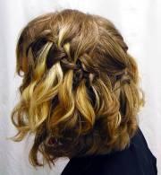 hairstyles short wavy hair