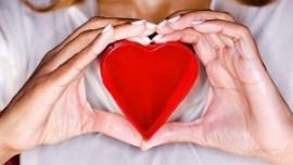 Symptoms-of-a-Heart-Attack-in-Women-700x395