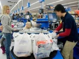 wal-mart-shopping-family-woman