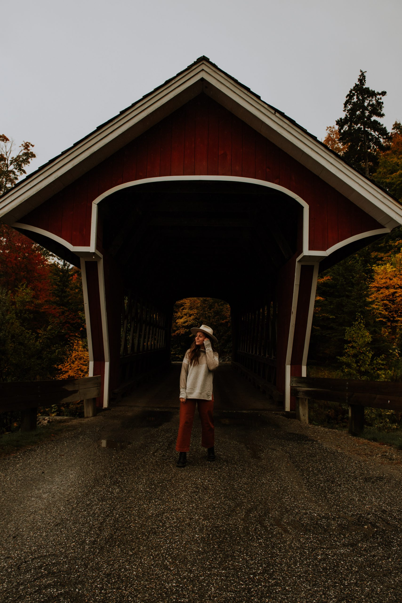 red covered bridge in new england