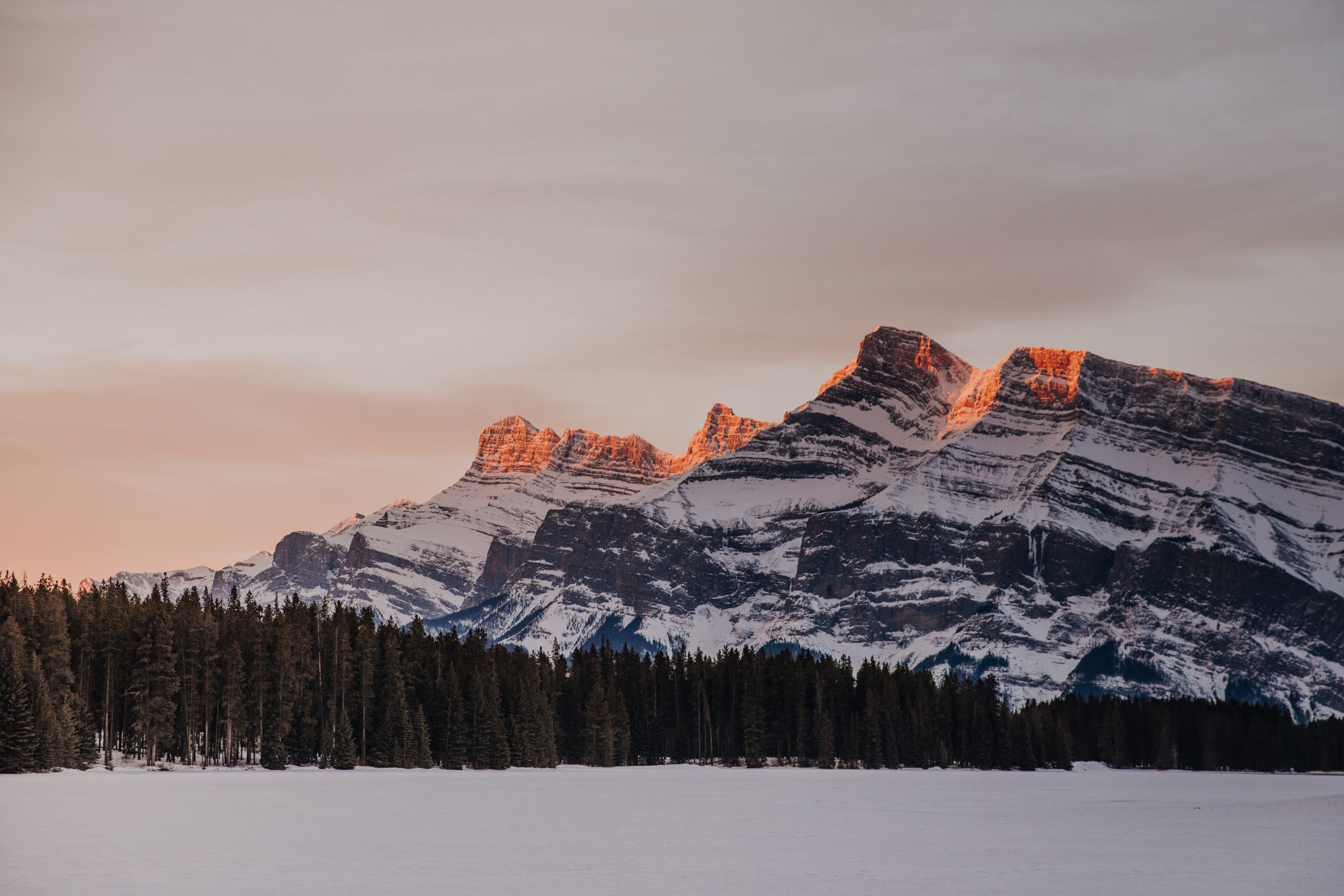 The Ultimate Banff Winter Guide- Canadian Rockies at sunrise