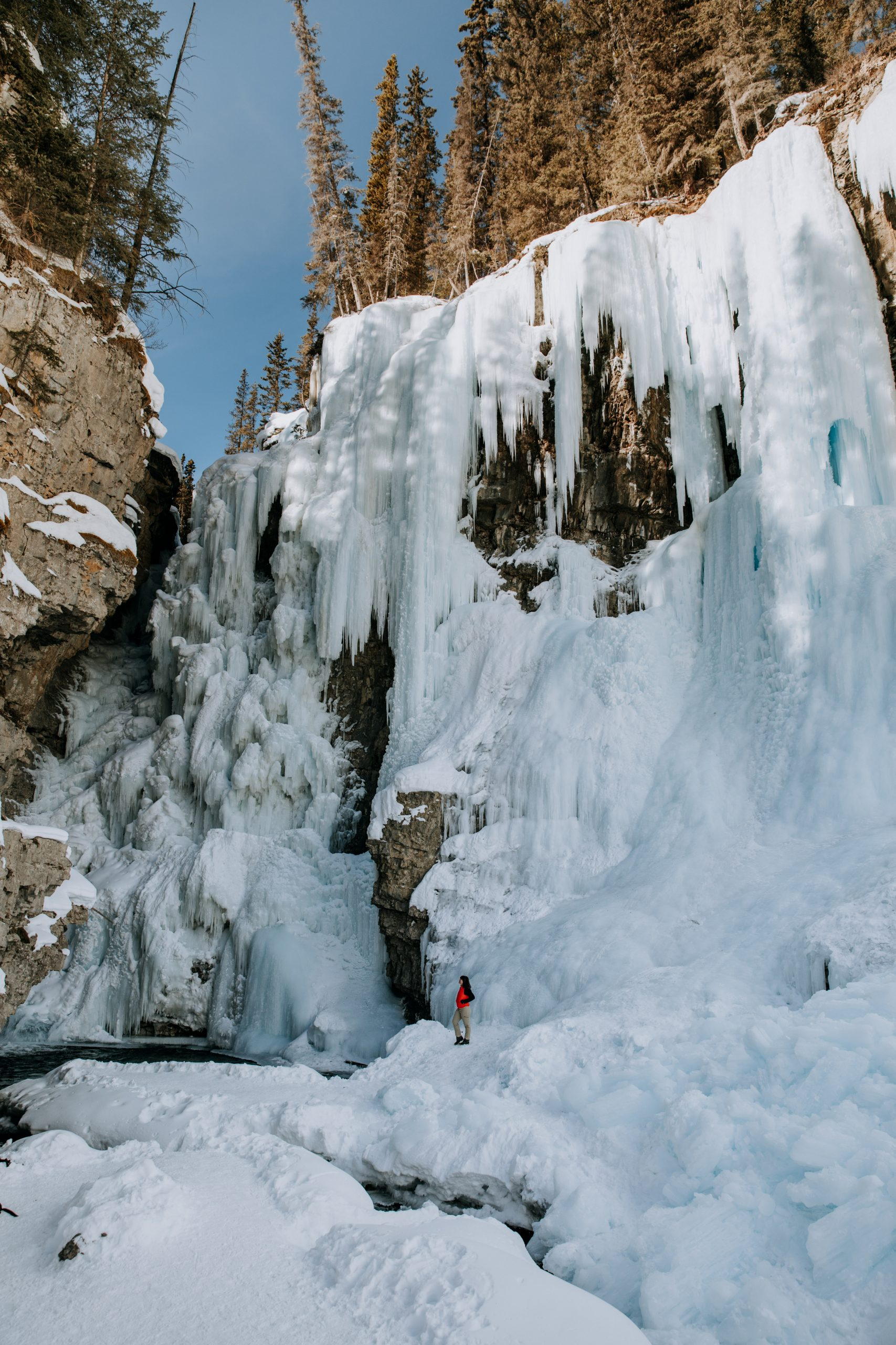 The Ultimate Banff Winter Guide - Johnston Canyon ice climbing