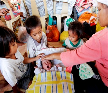 ASIA: United Nations' UNFPA brings targeted aid to mothers and children Philippines