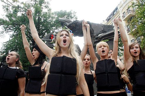 Ukraine based FEMEN defies 'sexism' in efforts to stop human traffickers