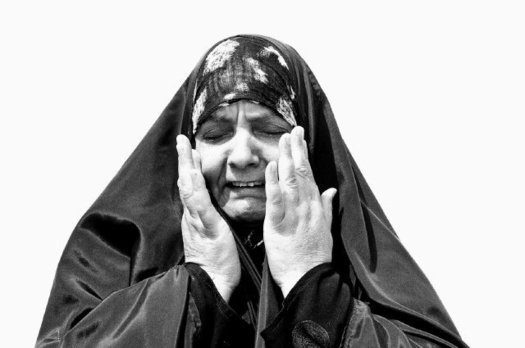 Memories of refugee camp life feed Al-Badry's images of Iraqi women refugees