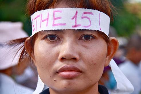 CAMBODIA: Housewives-gone-activists oppose forced evictions in Phnom Penh