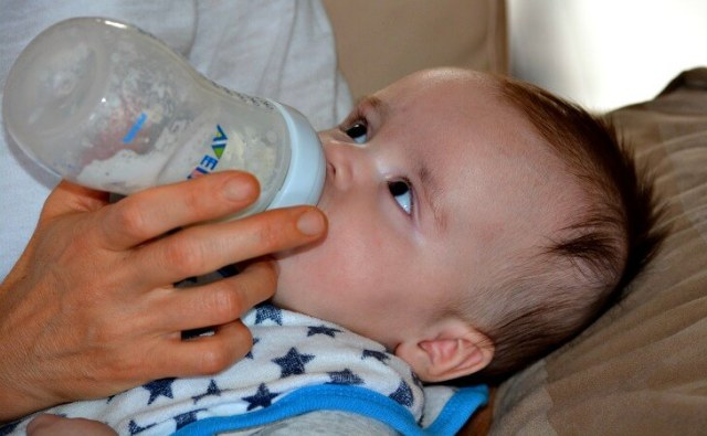 Baby's poo: How milk and food affect it?