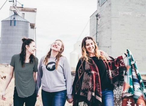 15 Advantages of having a girl best friend!