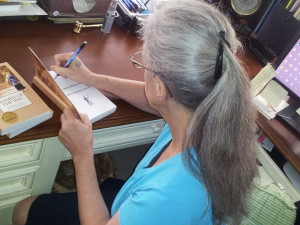 Autogrphing books