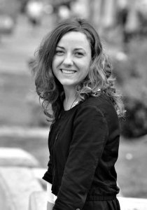 Μαίρη Καρατζά - Strategic designer, σχεδιασμός επαγγελματικών χώρων και επικοινωνίας