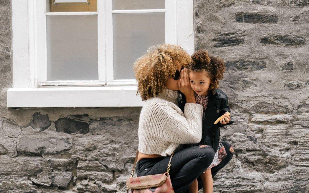 Τι σχέση έχει η οικογένεια με το πόσο πληρώνονται οι γυναίκες;