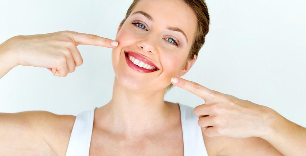 Turmeric teeth whitening tips & recipes | Women's Best Blog
