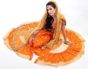 Girls Mehndi Dresses