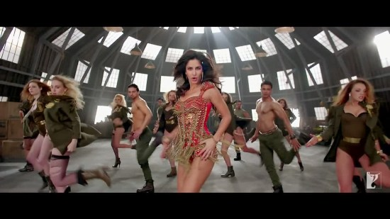 Dhoom 3 Reviews Image 02