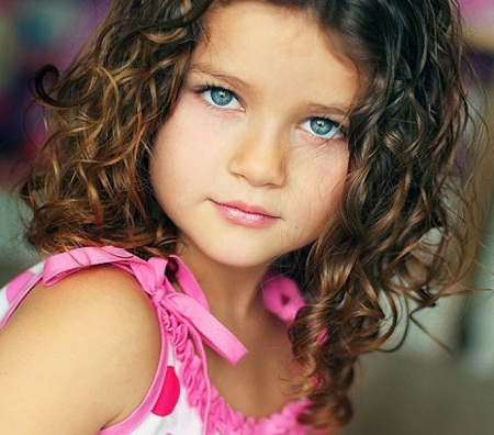 Cute Hairstyle for Toddlers with Short Curly Hair 01