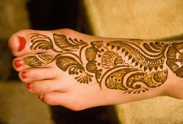mehndi designs for feet and legs, henna mehndi designs
