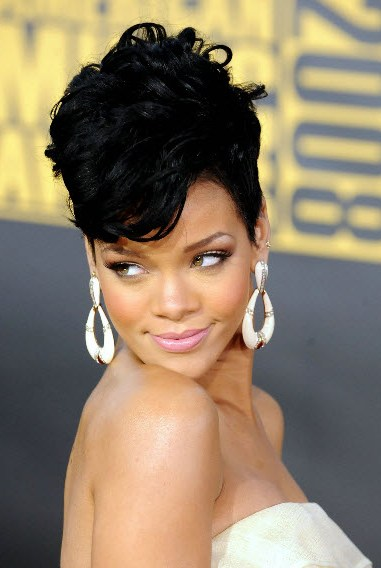rihanna hairstyles 2013, rihanna curly hairstyles