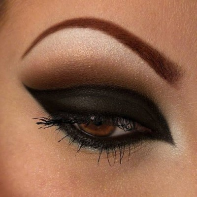 dark eye makeup, brown eyes makeup