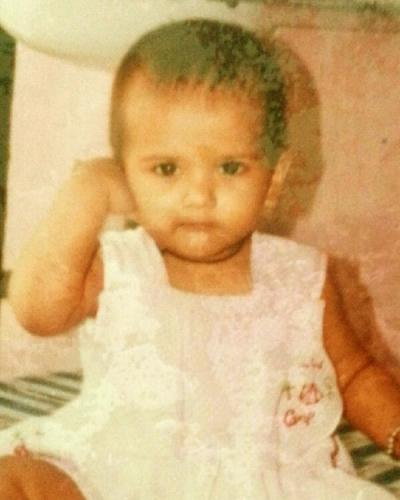 kratika sengar childhood pics