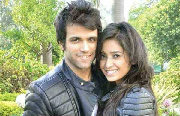 rithvik dhanjani and asha negi dance,rithvik dhanjani and asha negi dating in real life