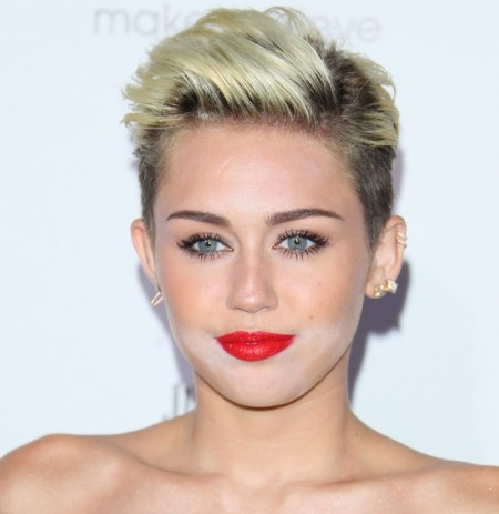 makeup disaster bollywood celebrities, Miley Cyrus Worst Makeup Malfunction