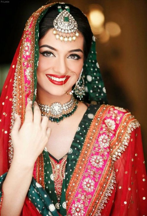 The beauty and elegance of Indian jewelry