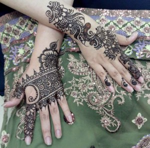 What's special in Indian mehndi designs?