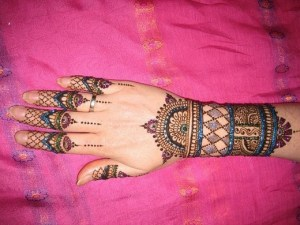 Best Arabic Mehndi Design For Hands