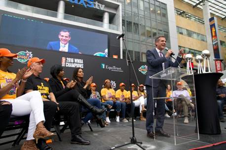 Los Angeles Mayor Eric Garcetti addresses attendees at the Sparks' victory celebration. Photo courtesy of LA Sparks.